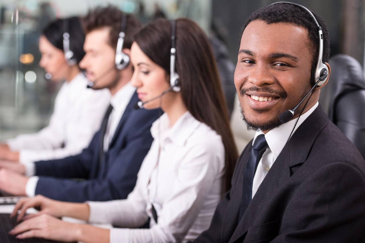 men on call center image